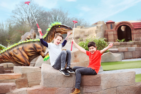 17/4/18 - Mighty Claws Adventure Golf Opens in Colchester