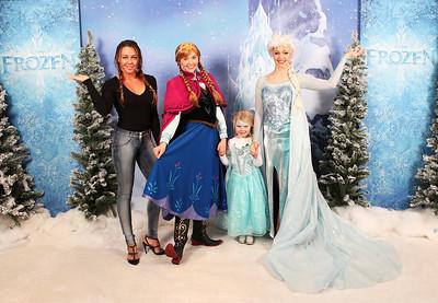 19/11/17 Olaf's Frozen Adventure Screening