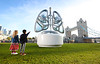 16ft pair of lungs for campaign on air pollution