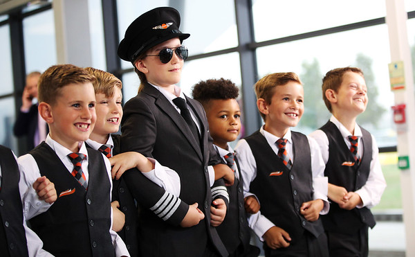 28/8/18 - easyJet launches campaign to recruit female pilots of the future