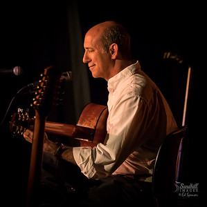 Richard Gilewitz, fingerstyle guitar wizard