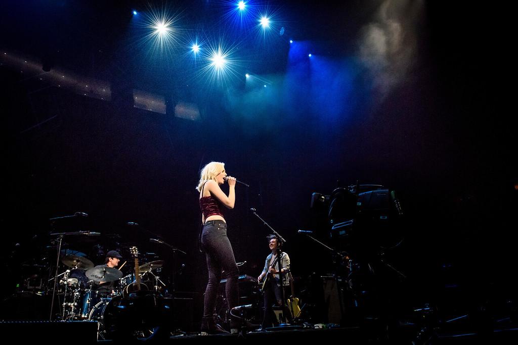 Beth Thorton Performs in Toronto