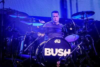 Bush Performs in Toronto