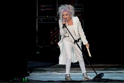 Cyndi Lauper Performs in Toronto