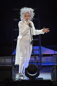 Cyndi Lauper Performs in Toronto