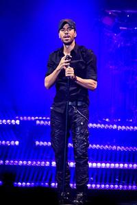 Enrique Iglesias Performs in Toronto