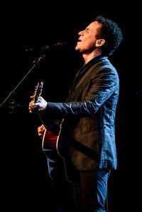 Fonseca Performs in Toronto