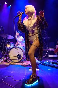GGOOLLDD Performs in Toronto