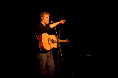 Glen Hansard Performs in Toronto