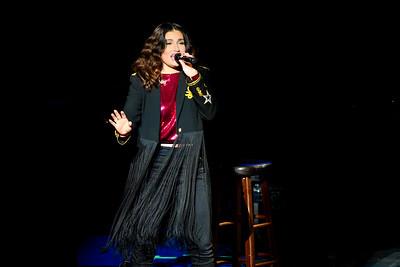 Idina Menzel Performs in Toronto