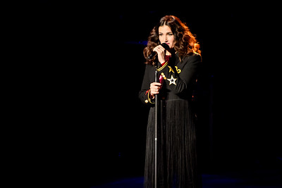 Idina Menzel Performs in Toronto