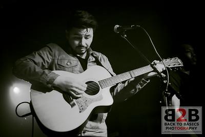 Jamie Woon Performs in Toronto