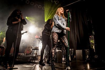 Jojo Performs in Toronto