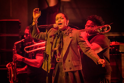 Lauryn Hill Performs in Toronto