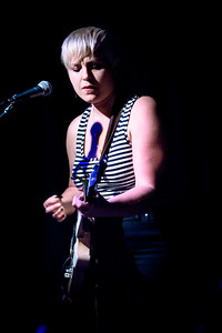 Liz Stringer Performs in Toronto