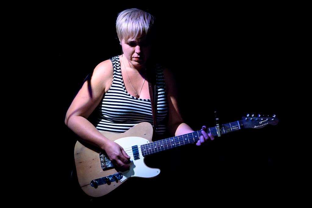 Liz Stringer Performs in Toronto