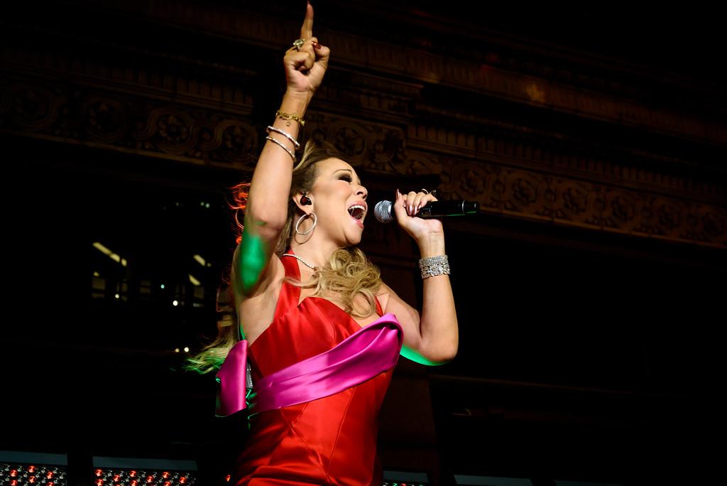 Mariah Carey Performs in Toronto