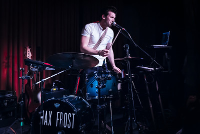 Max Frost Performs in Toronto
