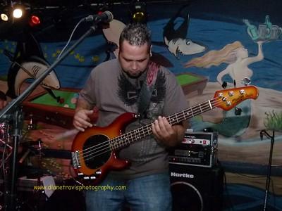 Chris Lozano 028