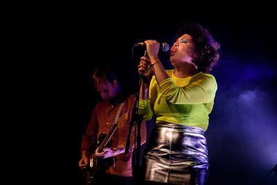 Weaves Perform in Toronto