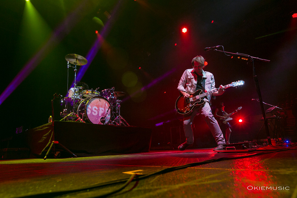 Christopher Guanlao (drums) and  Brian Aubert (lead vocals/guitar) of Silversun Pickups
