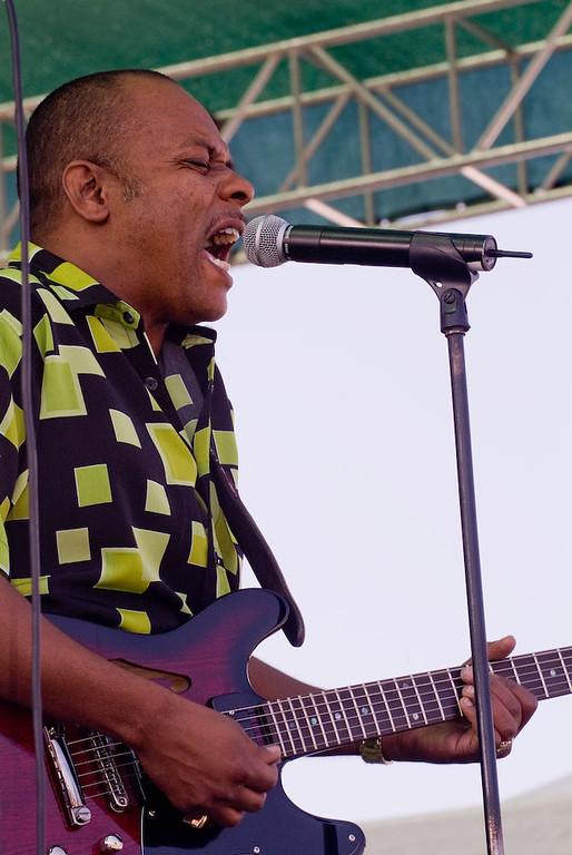 2006 San Francisco Blues Festival - Tutu Jones