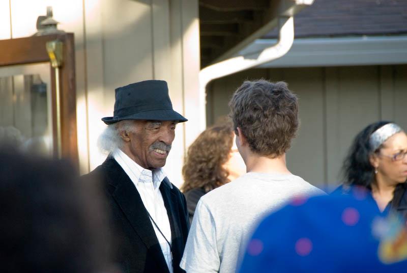 Gerald Wilson with a fan, 2007 Monterey Jazz Festival
