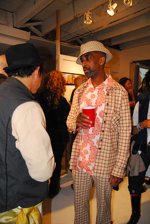 Artist Mr. Maxxmoses talking to his audience
