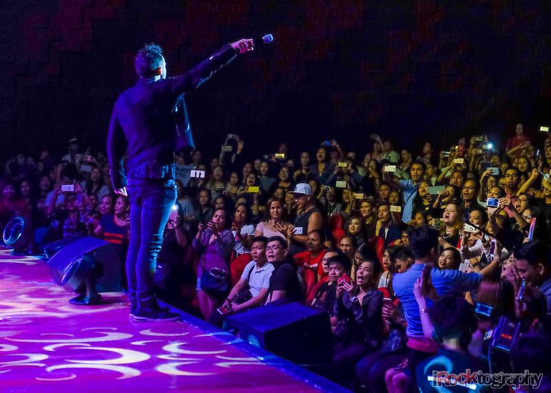 A1, live in Manila...