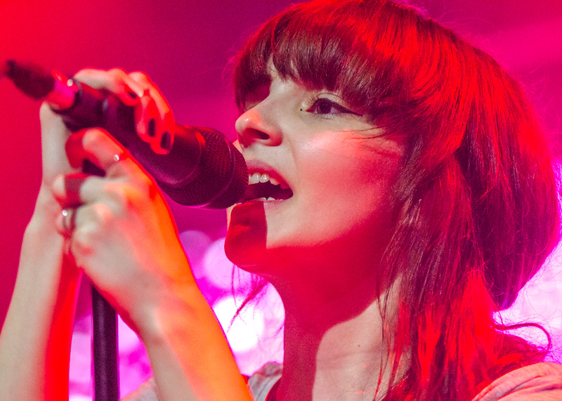 Chvrches, live in Manila
