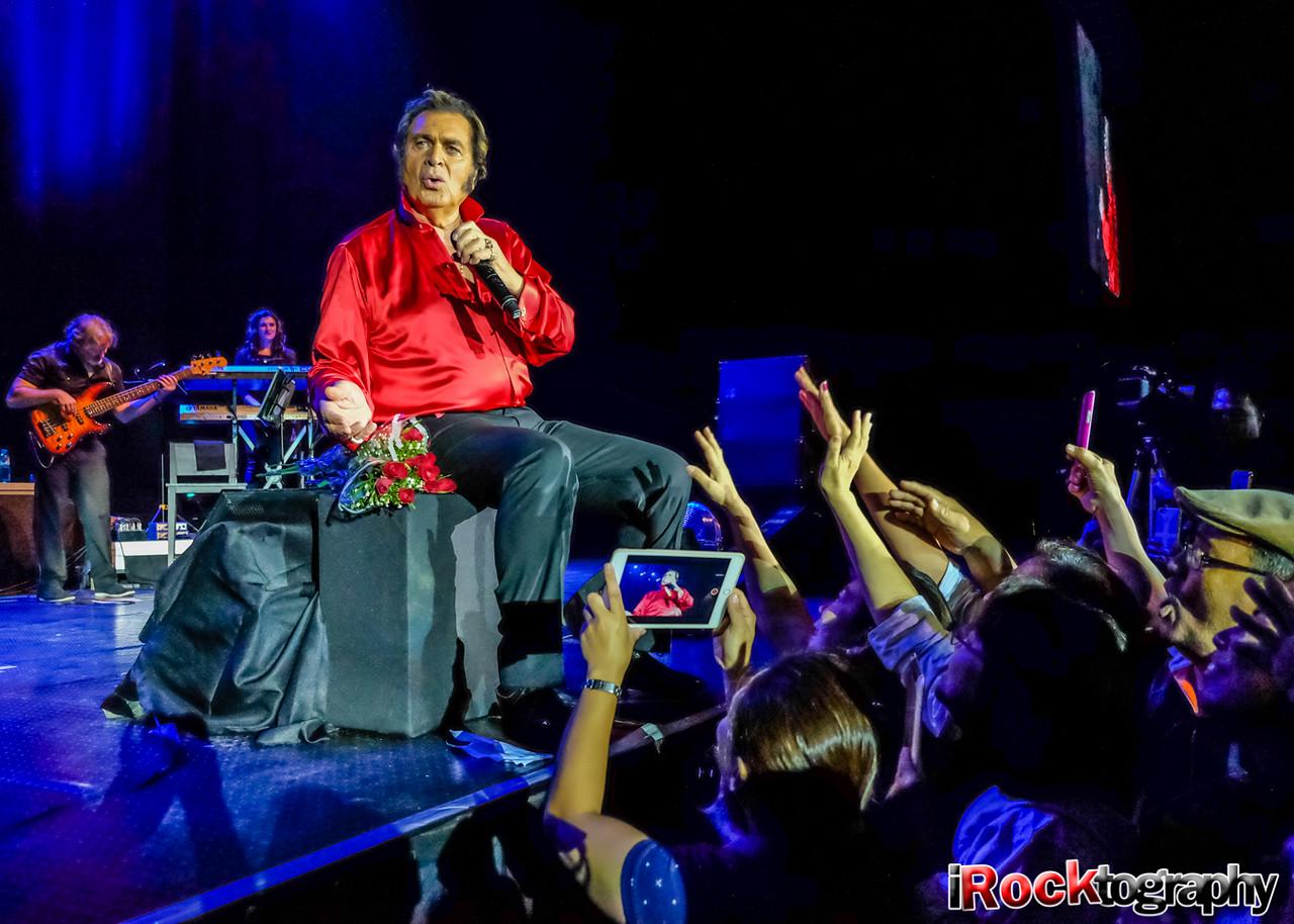 Engelbert Humperdinck, live in Manila...