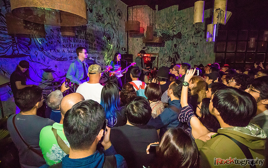 Fazerdaze, live in Manila