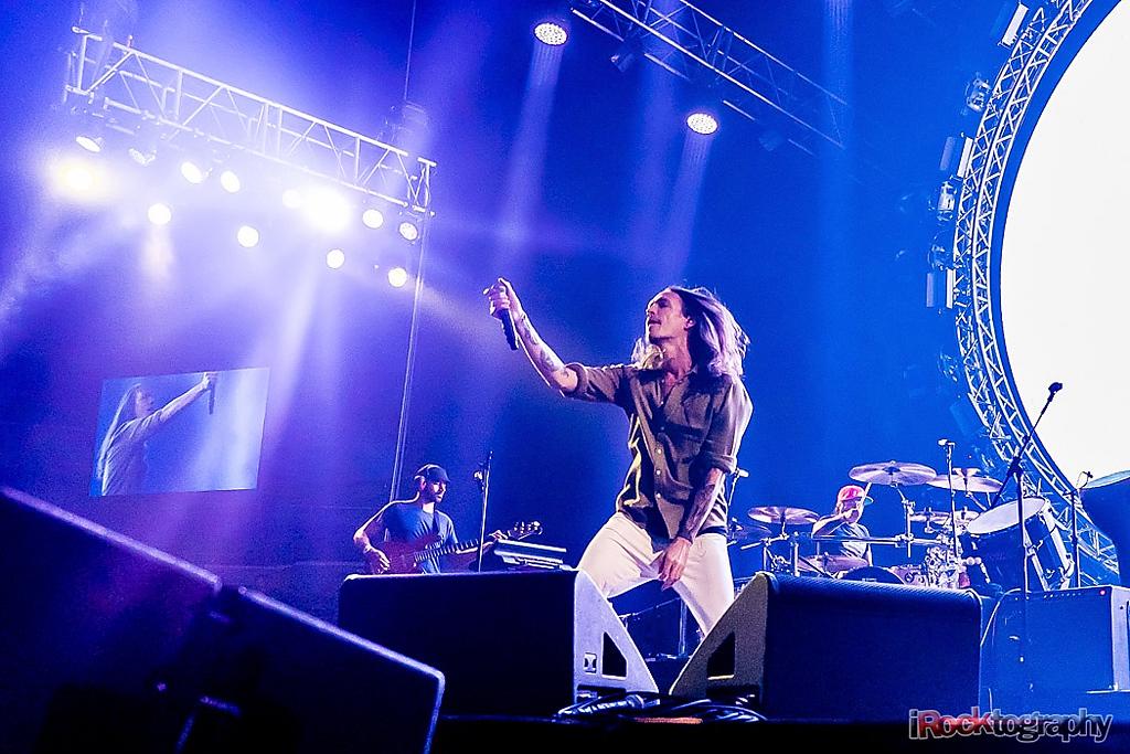 Incubus, live in Manila