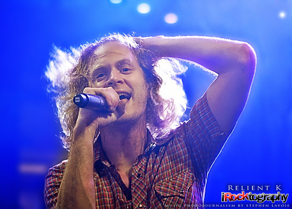 Relient K, perform live in Manila.