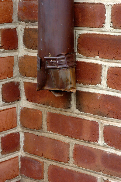 Copper pipe thieves struck the Kentlands Mansion, homes in the surrounding neighborhood and also retail locations along Main Street nearest to the Giant.