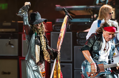 Steven Tyler (L), Joe Perry