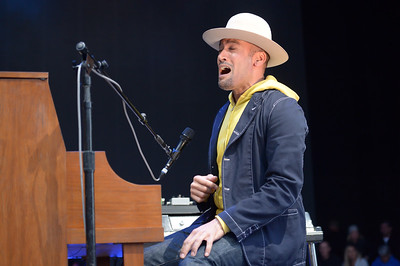 Ben Harper - Benefit for the Montecito community