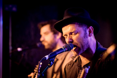 David Ford and JP Ruggieri onstage at The Cluny, Newcastle, 060617