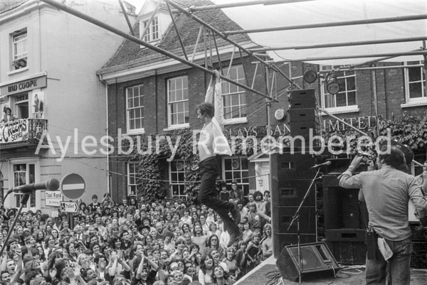 John Otway at the free Friars concert in Market Square, Aug 13 1978