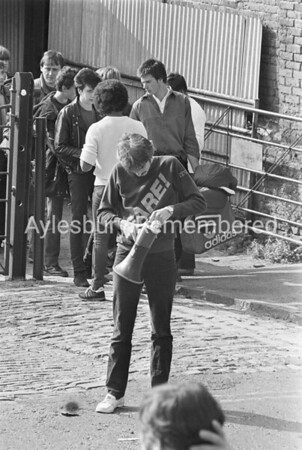 Queue for Police tickets, July 30th 1982