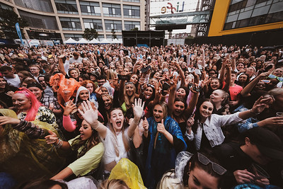 Crowd @ Times Square:  05.08.21