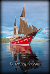 Arenui under sail, Raja Ampat, Indonesia, Indian ocean, Asia