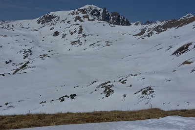 Looking at Pearl Pass from the ridge.  Note the safe route for later adventures....