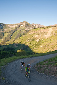 The leaders on the last switchback