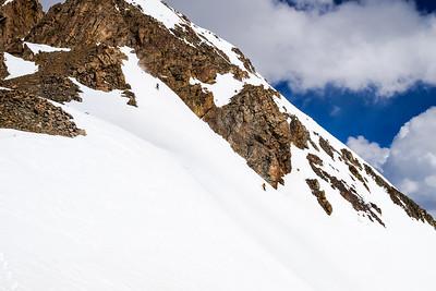 Megan and Ben simul-skiing Ewert's Delight