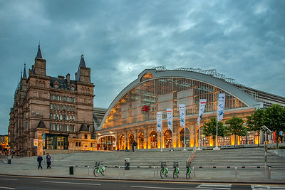 North Western Hotel and Liverpool Lime Street Station