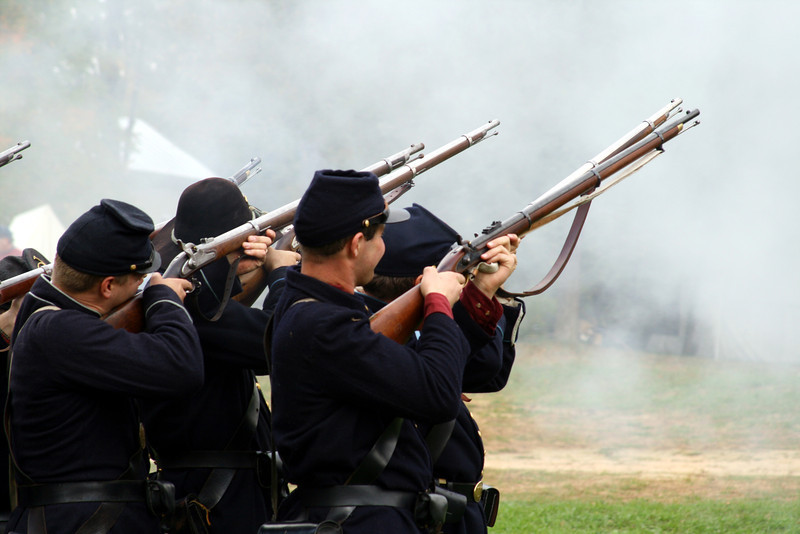 Infantry of the Union during the Civil war fire against the enemy.