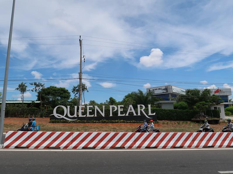 Queen Pearl Showroom