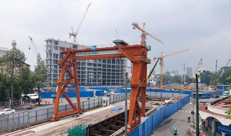 Metro construction at Le Loi Street