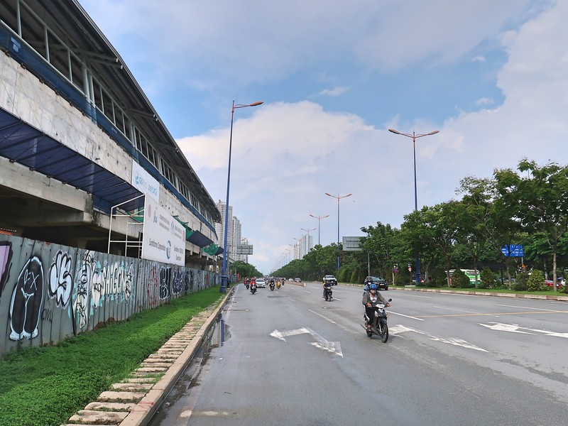Thao Dien Station next to the Hanoi Highway
